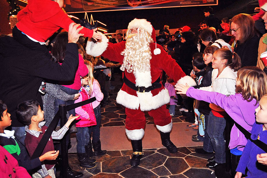 santa for hire rent a santa call 866 434 4101 party characters for kids - Santa Claus For Kids